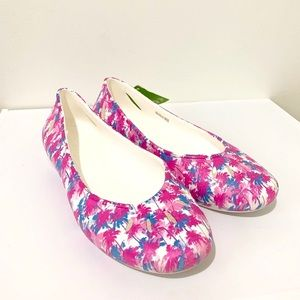 NWT Crocs Fuchsia White Blue Graphic Flats Size 11